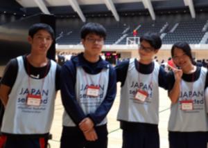車椅子バスケットボール大会に参加したボランティア部
